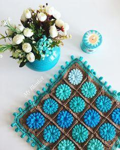 Bu aralar en sevdiğim renkler💙💙.. ve tabiki çiçek🌸 Herkese iyi akşamlar🙋🏻 Sipariş ve bilgi için👉🏻Dm(mesaj)    #babyblanket#myblanket#crochet#crochetdesign#bebek#battaniye#örgü#tıgisi#crochetblanket#motif#grannysquare#bebekbattaniyesi#baby#babygirl#battaniyedesign#babyshower#hediye#örgü#elisi#handmade#crochetpattern#crochetmotif#deryabaykal #deryabaykallagulumse#örgübattaniye #örgümodelleri#10marifet#koltukşalı#crochetersofinstagram#cushion#pillow