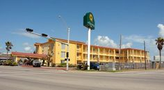 La Quinta Inn Galveston East Beach - 2 Star #Motels - $55 - #Hotels #UnitedStatesofAmerica #Galveston http://www.justigo.ca/hotels/united-states-of-america/galveston/inn-galveston-east-beach_100228.html