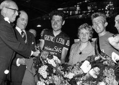 Waregem neemt afscheid van oud-wielrenner Armand Desmet - HLN.be