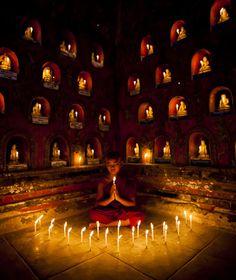 Novice Buddhist monk, Shwe Yan Pyay Monastery, Myanmar