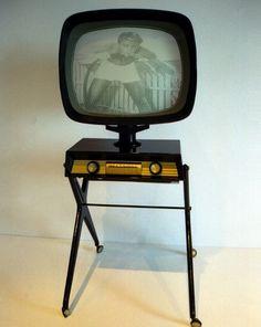 Early Predicta Television Set