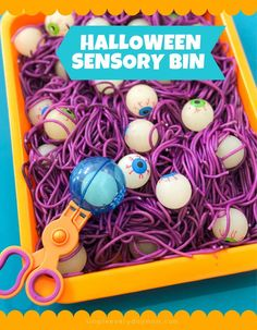 This glow in the dark halloween sensory bin is a fun and simple activity to keep the kids occupied and learning over halloween break. Great for fine motor skills and sensory play for toddlers preschool pre -k and kindergarten children. English Activities For Kids, Halloween Activities For Kids, Science Activities For Kids, Sensory Activities, Sensory Play, Toddler Activities, Crafts For Kids, Toddler Halloween Games, Fall Sensory Bin