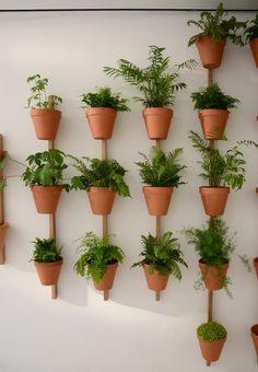 Oak plant pot XPOT By Compagnie design Pascal Grossiord Jardin Vertical Diy, Vertical Garden Design, Herb Garden Design, Vertical Gardens, Garden Pots, House Plants Decor, Plant Decor, Potted Plants, Indoor Plants