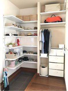 #87 作ってよかったスペース第1位、ECの現在の様子 | きこりんで家づくり House Entrance, Japanese House, Mudroom, Shelves, Storage, Interior, Home Decor, Closets, Organize