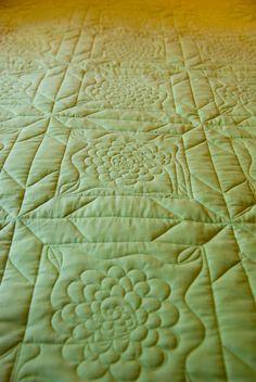 Longarming pattern on back of Garden Quilt