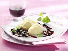 WBANA - Wilde Blaubeeren aus Kanada | Schokomousse mit Amaretto-Blaubeer-Sauce