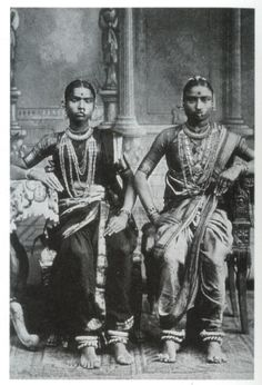 old photos 1920's india | Two Devadasis - Tamil Nadu South India 1920's - Old Indian Photos