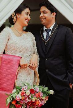 Family Portrait from Priyanka Chopra and Nick Jonas' Wedding Weekend White Saree Wedding, Modest Wedding Gowns, Wedding Suits, Wedding Couples, Trendy Wedding, Wedding Bride, Bridal Dresses, Wedding Styles, Wedding Ideas