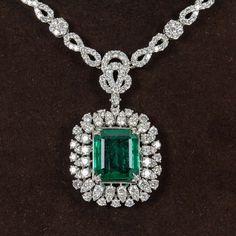 Emerald Diamond Gold Pendant Necklace image 3