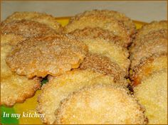 "In my kitchen: Kruche ciastka ""wykrawane"" Polish Cookies, Happy Foods, Polish Recipes, Food Cakes, Cornbread, Pecan, Cookie Recipes, Lunch Box, Crack Crackers"