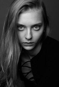 Black White Photos, Black And White, Nastya Kusakina, Edgy Girls, Live Model, Feminine Mystique, Photographs Of People, Blonde Beauty, Woman Face