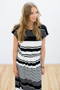 Maxikleider - Maxi Kleid Prestige in schwarz weiß gestreift - ein Designerstück von Shoko bei DaWanda