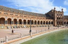 Plaza de Espana (Sevilla) - go here for the row boats and the gardens Attraction Tickets, Wedding Honeymoons, Andalucia, Travel Goals, Spain Travel, Places To See, Trip Advisor, Travel Inspiration, Europe