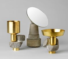 Después de sus preciosos candelabros, David Taylor nos presentaConsidered Objects. Un plato, un vaso y un espejo en metal y hormigón. Decir que son originales es quedarse muy muy corto.       — by David Taylor    vía Moco Loco