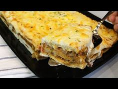 Pastel de pisto y jamón con Thermomix. ¡SÚPER BUENO! - YouTube Salsa Bechamel, Lasagna, Make It Yourself, Ethnic Recipes, Food, Youtube, Yummy Cakes, Vegetables, Meal