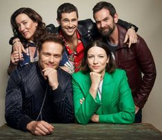 I love these wonderful people so much 😍😍 Credit to Diana Gabaldon Bücher, Diana Gabaldon Outlander, Outlander Casting, Outlander Tv Series, Claire Fraser, Jamie Fraser, Tartan, Lord John, Actor