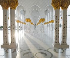 Sheikh Zayed Grand Mosque by UAEWings on Flickr.