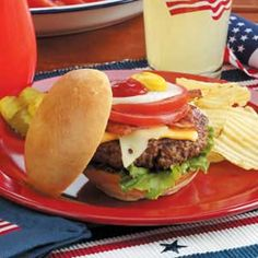 Grill up an all-American Burger with this recipe for the Labor Day weekend! #burger #laborday #bbq