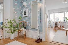 Interior nórdico espacioso y funcional