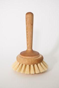 Bathtub brush from Mjölk