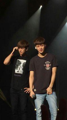 chanwoo and yunhyeong-ikon-chanwoo and song Kim Jinhwan, Chanwoo Ikon, Ikon Songs, Yg Entertainment, Mix Match, Boyfriend Material, Bobby, Boy Groups, Twins