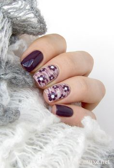 The mentioned DIY floral nail art designs are easy and helps you to achieve some of the most beautiful floral nail art designs. Beautiful Nail Art, Gorgeous Nails, Pretty Nails, Plum Nails, Purple Nails, Get Nails, Hair And Nails, Uñas Diy, Nailart