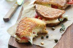 Receta de Sandwich caliente de mozzarella y pimientos.