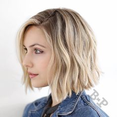 """Bob magic pt. II ✨ Haircut and style by @buddywporter  Color by @andrewkyle  #modernhair #ramireztransalon"""