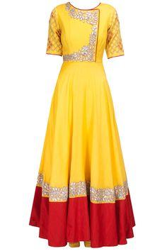 Pro Tips for Mehndi Dress Selection Red Lehenga, Anarkali Dress, Lehenga Choli, Bridal Lehenga, Sari, Kurta Designs, Blouse Designs, Dress Designs, Indian Dresses