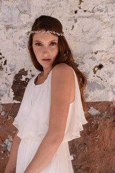Ivory Sleeveless Floor Length Ruffled Blouson Chiffon A-line Grecian Wedding Dress Keyhole Back