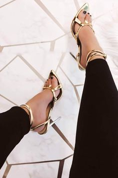 block heels with ankle straps Rose Gold High Heels, Red Stiletto Heels, Gold Strappy Heels, Ankle Strap Heels, Ankle Straps, Medusa, Dragon Ball, Giuseppe Zanotti Heels, Fashion Heels