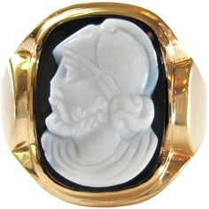 Black Sardonyx Roman Soldier / Legionnaire Hardstone Cameo Vintage Art Deco 14K Gold Unisex Ring | Men's Jewelry - This is a wonderful vintage Art Deco 14 karat yellow gold hardstone sardonyx cameo men's ring. The carving depicts a Roman or Greek solider / warrior in the white forefront, and a layer of rich, black onyx background. The heavy gold mounting is very beautiful and masculine- it features layers of gold which fan out around the gemstone.