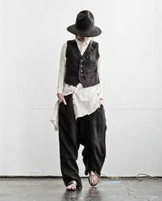 Yes, I would totally dress like this. if only I had the body, & the budget. Mode Style, Style Me, Couture, Sarouel Pants, Mori Fashion, Advanced Style, Mode Vintage, Japanese Fashion, Fashion Outfits