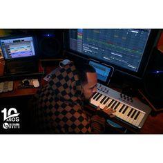 Via Instagram LAEMINENCIAreal Mi sábado... mixing #ElPintor By. @fouadelaguila suena D U  R O!  @laqadramusic  #LaEminencia  #estudiodegrabacion #fruityloops #flstudio #dembow #reggaeton #musicaurbana #productormusical  #studioflow  #recordingstudio #musicproducer #siguemeytesigo #tw