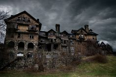 Love the idea of an old house!  FORSAKEN: Abandoned In And Around New Jersey -- Weird NJ via Billy Jam