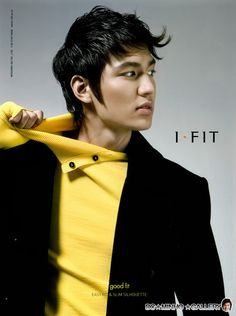 Year 2007 October Esquire Magazine For I-Fit Actor Lee Min Ho