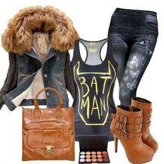 Brown Fur Collared Black Denim Jacket #Winterfashion #Wintertrends #WinterOutfits #WinterOutfitIdeas #FallFashion #FallWinterOutfits