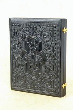daguerreotype case ambrotype case tintype case how to make a new case whole plate case, full plate case Wet Plate Collodion, Brass Hook, Wood Worker, Reproduction, Made Of Wood, Photo Sessions, Swirls, Images, Old Things