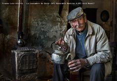http://olympicphotocircuit.com/images/results/2013/gallery/awards/FRANKE_LUIS_ALBERTO_-_LA_COSTUMBRE_DE_OSCAR_UPI_HONORABLE_MENTION_4,UPI_GOLD_MEDAL_.jpg