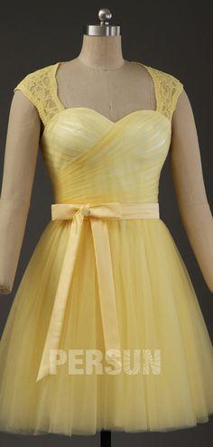 robe cérémonie mariage jaue courte queen anne en tulle Bustier, Queen, Formal Dresses, Outfits, Fashion, Little Pink Dress, Dusty Rose Dress, Yellow Gown, Dress Ideas