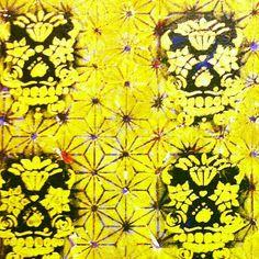 tela  Caveiras Douradas em pintura acrilica e tecnica mista  2013 - 50x60 - acrylic on canvas -  Melina Ollandezos