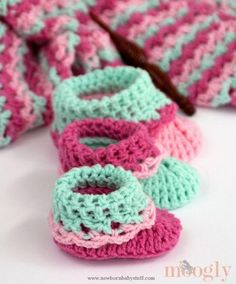 Crochet Baby Booties Loopy Love Big Baby Booties - 12 Free Crochet Patterns for B...