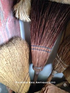 . Brooms And Brushes, Whisk Broom, Witch Broom, Types Of Fashion Styles, Type 1, Theater, Primitive, Baskets, Old Things