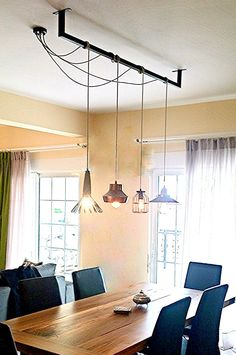 Dining Room Design: Take a look at this dazzling dining room lighting with an amazing dining room decor Industrial Dining, Industrial House, Industrial Lighting, Industrial Style, Vintage Industrial, Industrial Pipe, Home Lighting, Lighting Design, Lighting Ideas