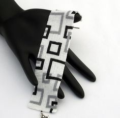 Square Stitch Beaded Bracelet, Empty Squares Narrow, Matte Black and Grey on Matte White Bead Embroidery Jewelry, Beaded Bracelet Patterns, Bead Loom Patterns, Beaded Embroidery, Beading Patterns, Seed Bead Jewelry, Beaded Jewelry, Argent Antique, Wedding Cards Handmade