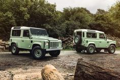 17 Photos That Will Make You Want A Land Rover Defender Heritage Edition | Airows