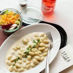 Pasta und Käse sind heute unsere Seelentröster. Was gönnt ihr euch diesen Montag? Gnocchi al gorgonzola (vegetarisch), CHF 16.90.- frisch gekocht für euch bei SPIGA.
