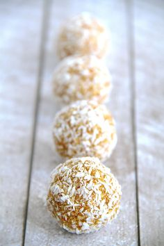 No-Bake Carrot Cake Energy Bites - these nut-free bites are so easy to whip up and taste like poppable bites of carrot cake... only healthier! | runningwithspoons.com