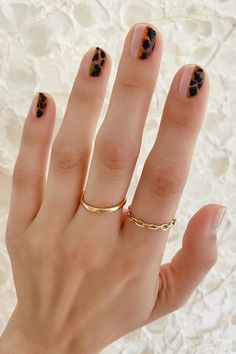 Make an original manicure for Valentine's Day - My Nails Diy Nails, Cute Nails, Pretty Nails, Minimalist Nails, Little Presents, Nagellack Trends, Colorful Nail, Nail Games, Stylish Nails