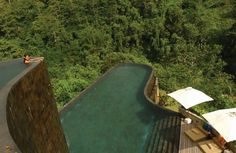 Ubud Hanging Gardens in Bali, Indonesia, an Orient Express hotel with 38 villas, each with a private pool. Bali Resort, Resort Villa, Resort Spa, Ubud Hanging Gardens, Amazing Swimming Pools, Best Swimming, Swimming Holes, Rooftop Pool, Outdoor Pool
